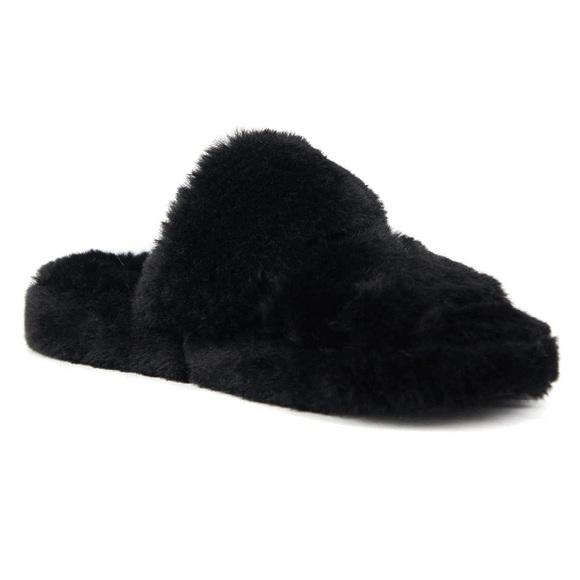 Soda Women Soft Fur Fuzzy Fluffy Sandals Black